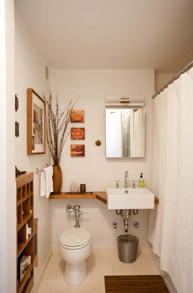 Туалет в  цветах:   Бежевый, Коричневый, Светло-серый.  Туалет в  стиле:   Кантри.