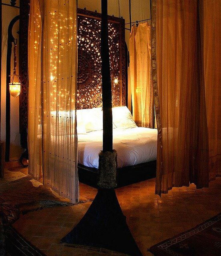 Спальня в  цветах:   Коричневый, Оранжевый, Темно-коричневый, Черный.  Спальня в  стиле:   Восточные стили.