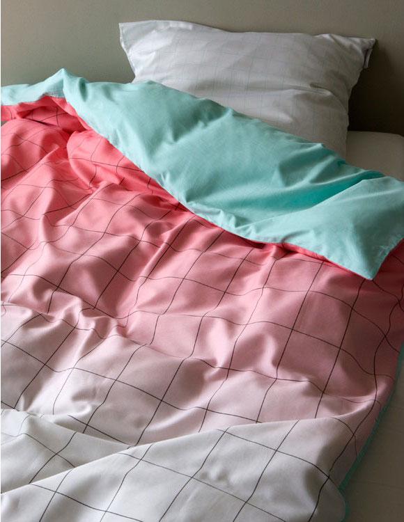 в  цветах:   Голубой, Розовый, Светло-серый, Серый, Темно-коричневый.  в  .