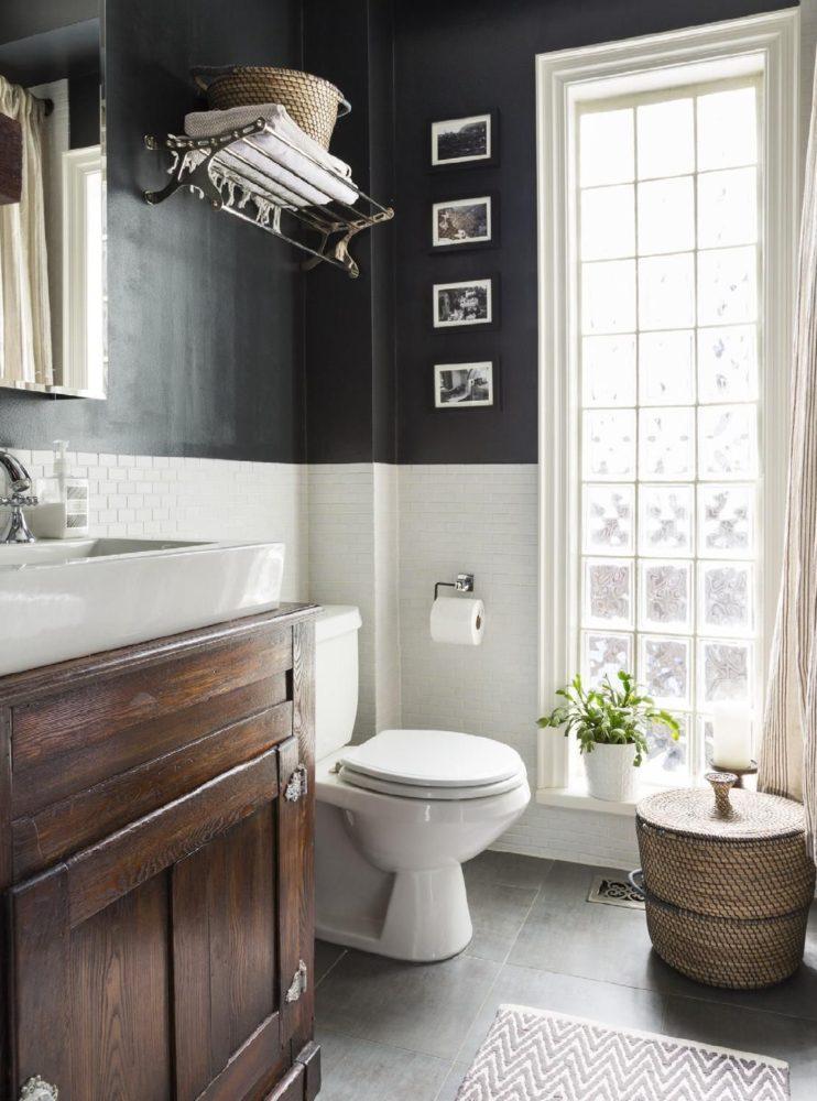 Ванная в  цветах:   Белый, Светло-серый, Серый, Темно-коричневый, Черный.  Ванная в  стиле:   Скандинавский.