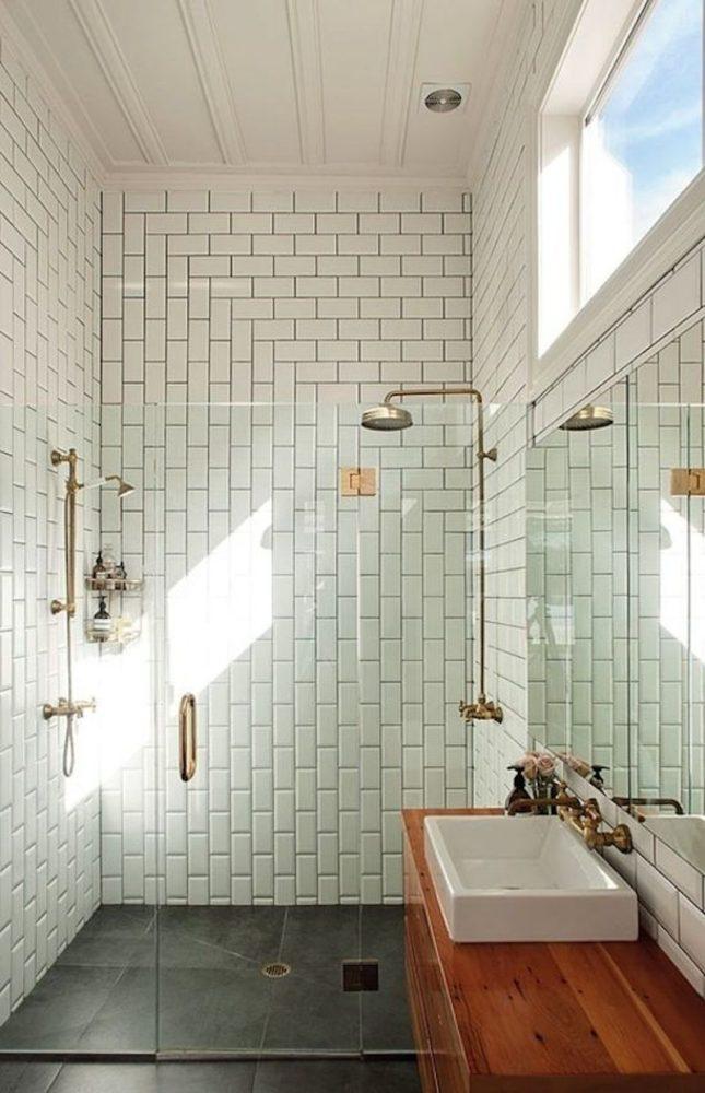 Ванная в  цветах:   Бежевый, Белый, Светло-серый, Серый, Темно-коричневый.  Ванная в  стиле:   Скандинавский.