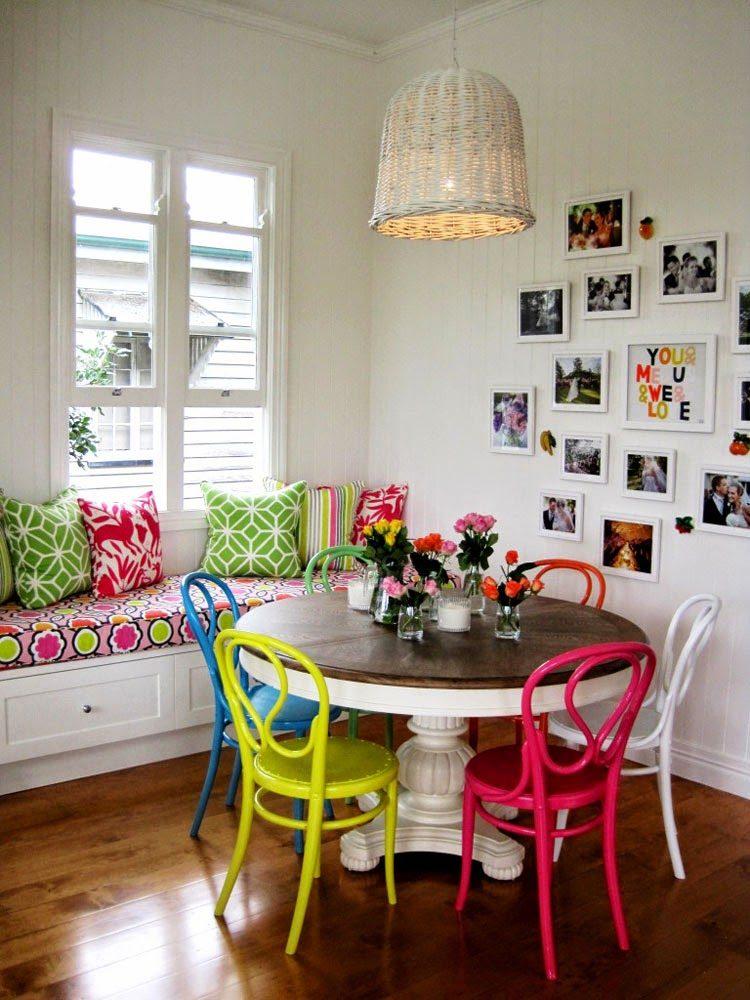 Кухня/столовая в  цветах:   Бежевый, Белый, Коричневый, Светло-серый, Темно-коричневый.  Кухня/столовая в  стиле:   Скандинавский.