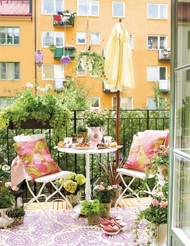 Балкон в  цветах:   Бежевый, Белый, Желтый, Светло-серый, Темно-зеленый.  Балкон в  стиле:   Скандинавский.