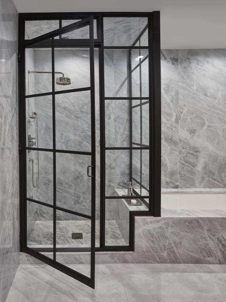 Ванная в  цветах:   Бежевый, Светло-серый, Серый, Черный.  Ванная в  стиле:   Минимализм.