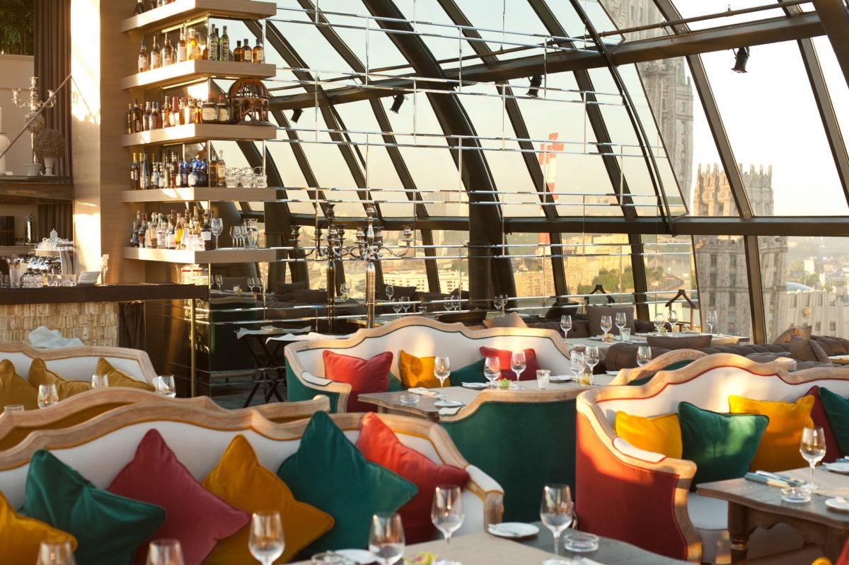 Интерьер московского ресторана, вошедшего в двадцатку лучших в мире в 2016 году