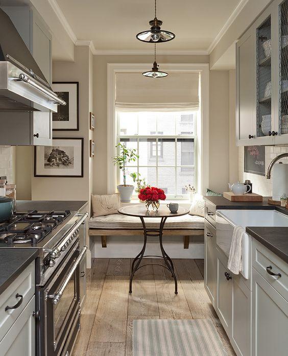 Кухня/столовая в  цветах:   Бежевый, Белый, Светло-серый, Серый, Темно-коричневый.  Кухня/столовая в  стиле:   Скандинавский.