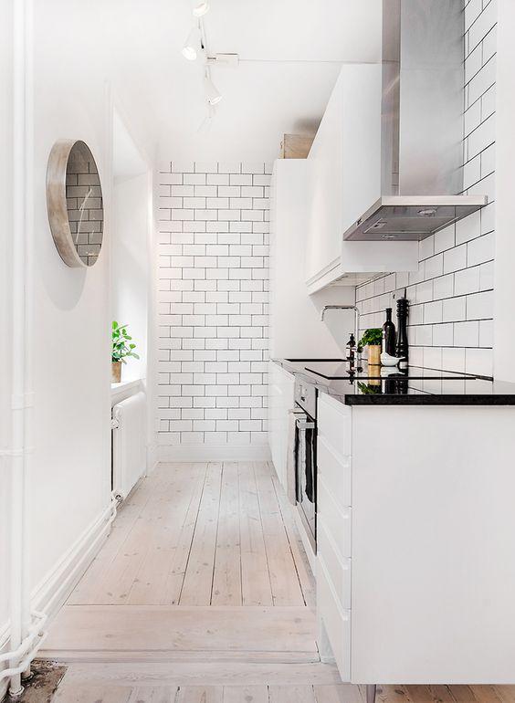 Кухня/столовая в  цветах:   Белый, Светло-серый.  Кухня/столовая в  стиле:   Скандинавский.