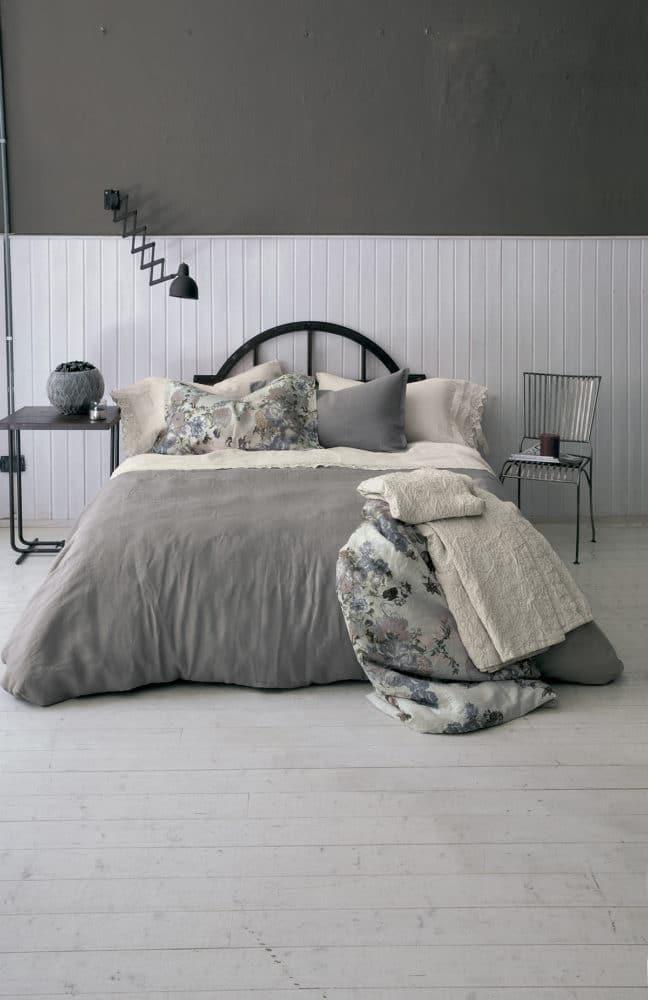 Спальня в  цветах:   Бежевый, Светло-серый, Серый.  Спальня в  стиле:   Скандинавский.