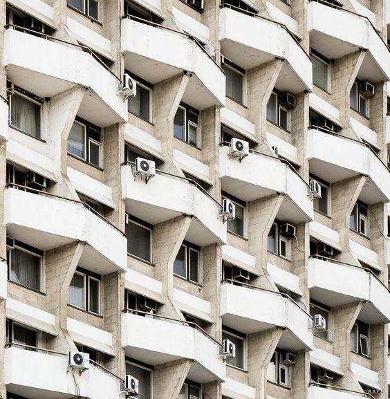 За что могут оштрафовать собственника квартиры и лишить его недвижимости