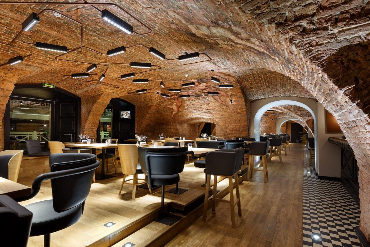 Три новых ресторана Санкт-Петербурга, в которые стоит пойти за сильными интерьерными впечатлениями