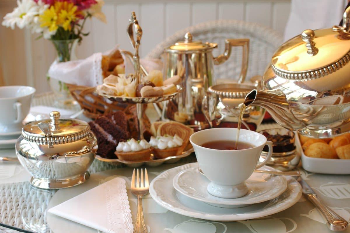 10 красивых чашек для праздничного чаепития