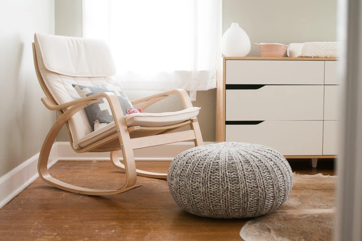 6 новинок для дома: часы, кресла и мохнатые светильники