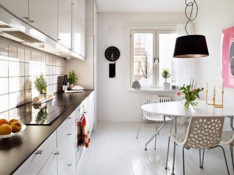 Кухня/столовая в  цветах:   Белый, Светло-серый, Серый, Бежевый.  Кухня/столовая в  стиле:   Скандинавский.