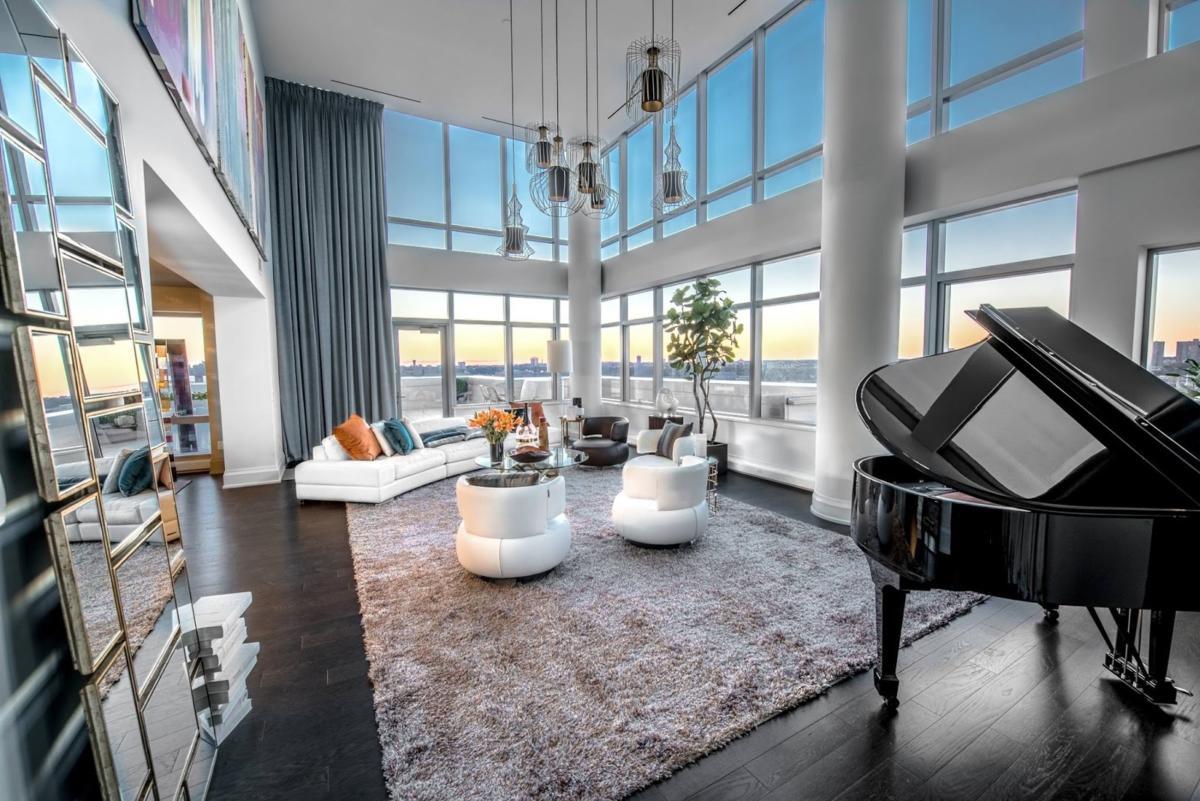 Архитектурные экскурсии по Нью-Йорку: интерьер роскошной квартиры на берегу реки
