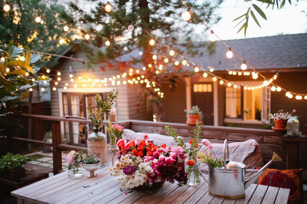10 идей и 60 примеров для освещения садового участка и придомовой территории