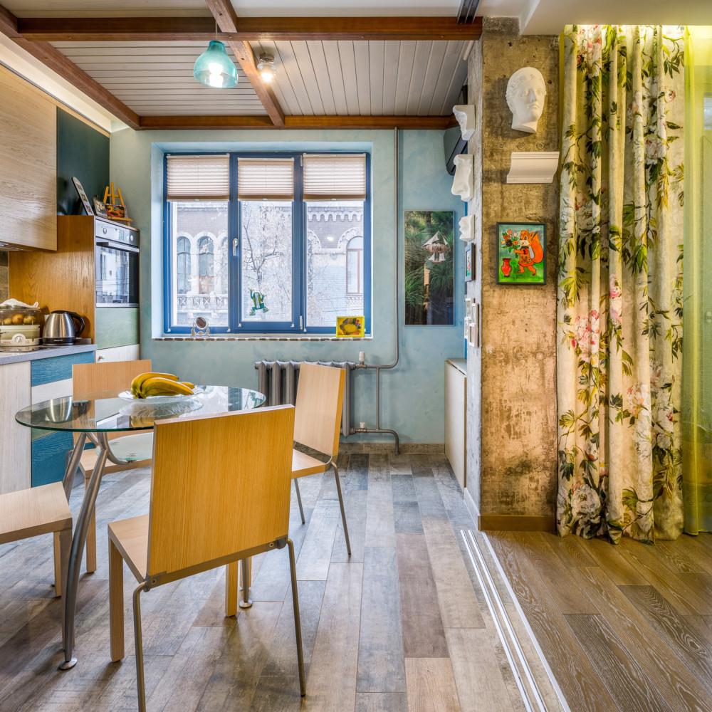 Интерьер квартиры, в которой можно менять планировку по желанию