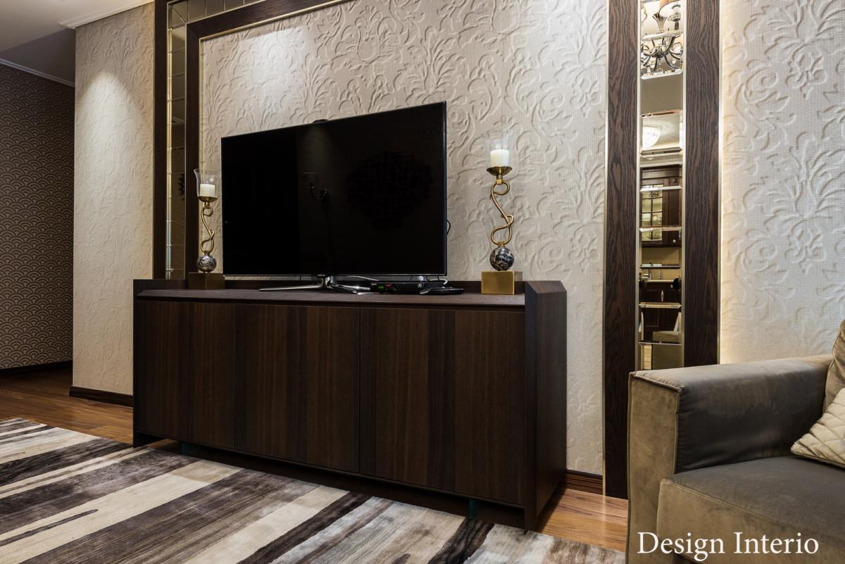 Выбор мебели основывался на функциональности и надёжности конструкций. Современные элементы дизайна и классические цвета.