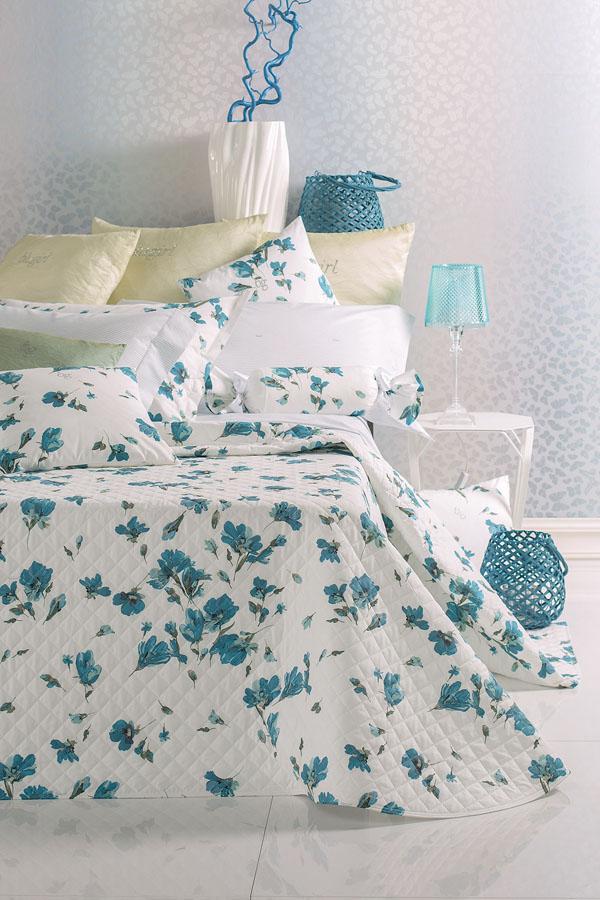 Спальня в  цветах:   Коричневый, Светло-серый, Синий, Темно-зеленый.  Спальня в  стиле:   Минимализм.