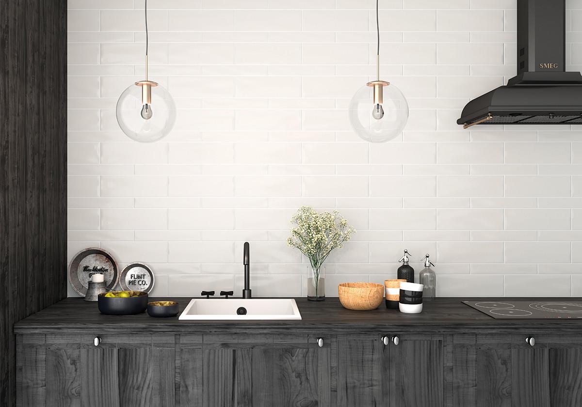 Белая плитка в интерьере: 15 идей для разных помещений