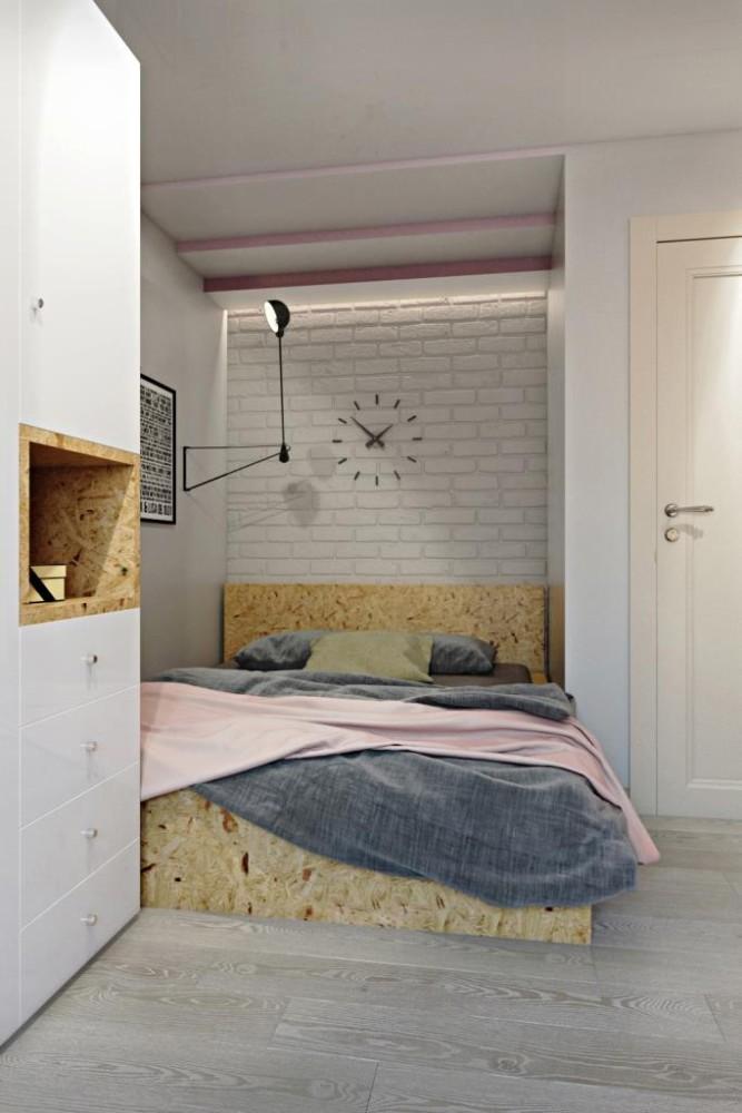 Местоположение кровати обусловлено желанием хозяйки иметь укромное, мягкое, местечко. Кровать выполнена из ОСП, покрытого лаком, и имеет ярко выраженную текстуру, а в сочетание с кирпичным изголовьем - выглядит нестандартно и ново