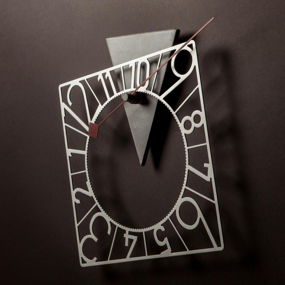 Новая идея декора: часы с вращающимся циферблатом