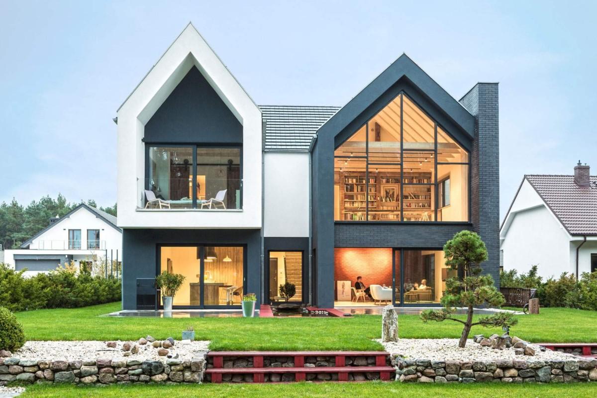 Современный дом с асимметричным фасадом и оригинальными интерьерами