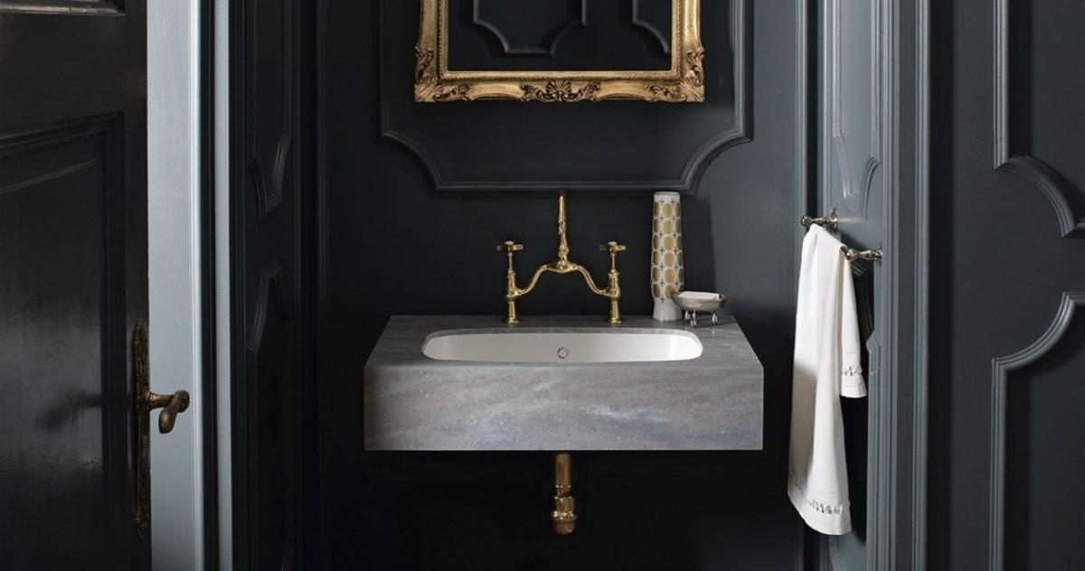 10 чёрных ванных комнат: тренд на реальных примерах