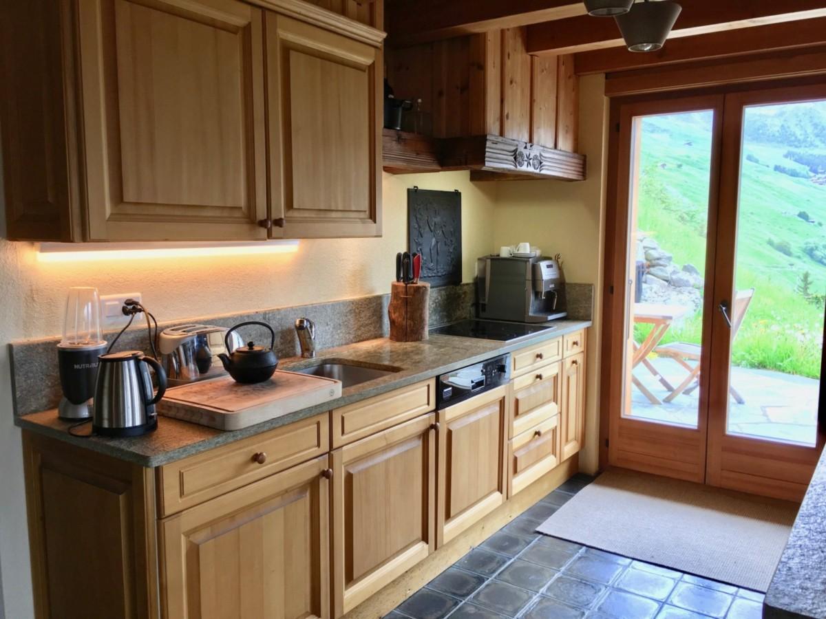 Дизайн маленькой кухни: 180 фото