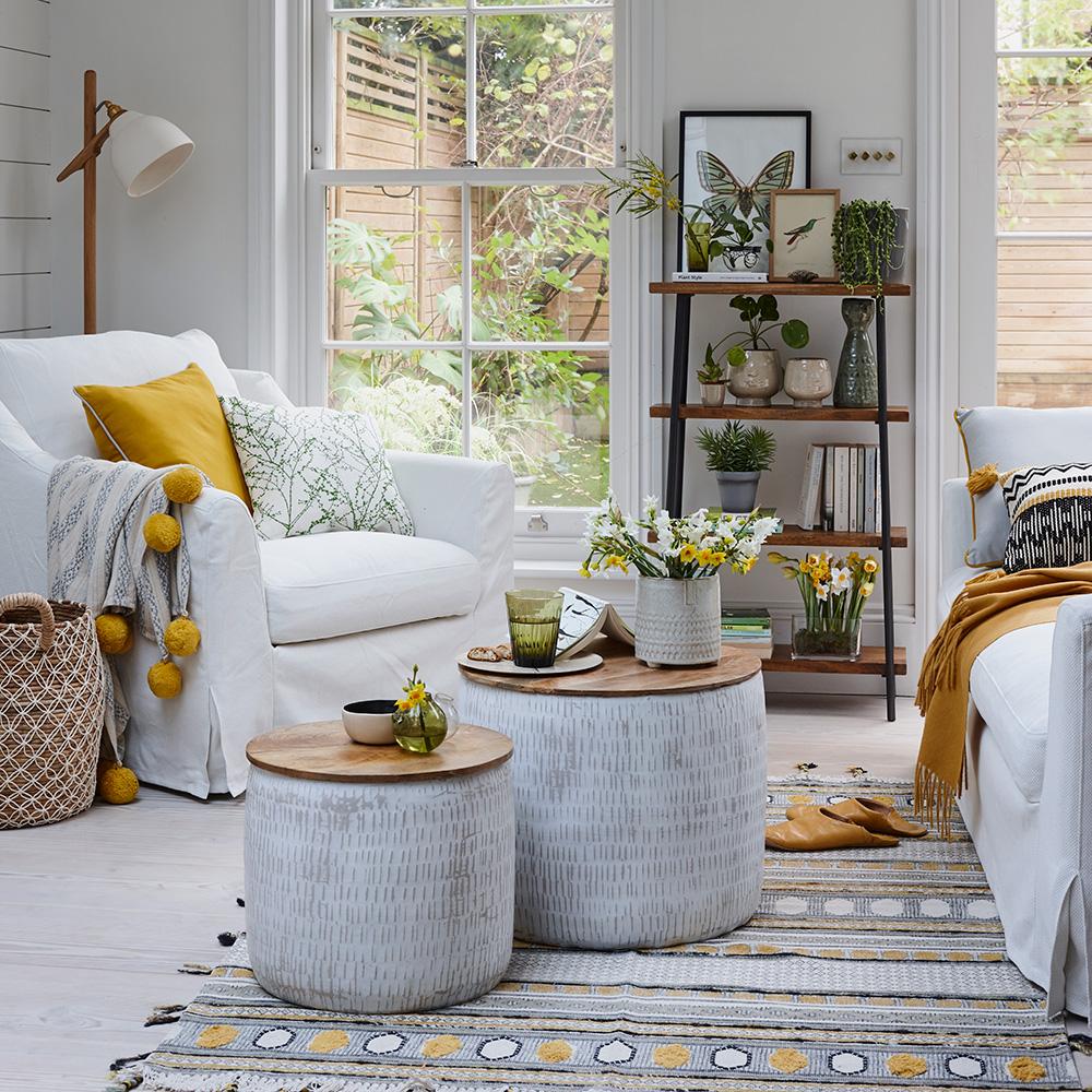 Дачный интерьер: как сделать гостиную в загородном доме более уютной